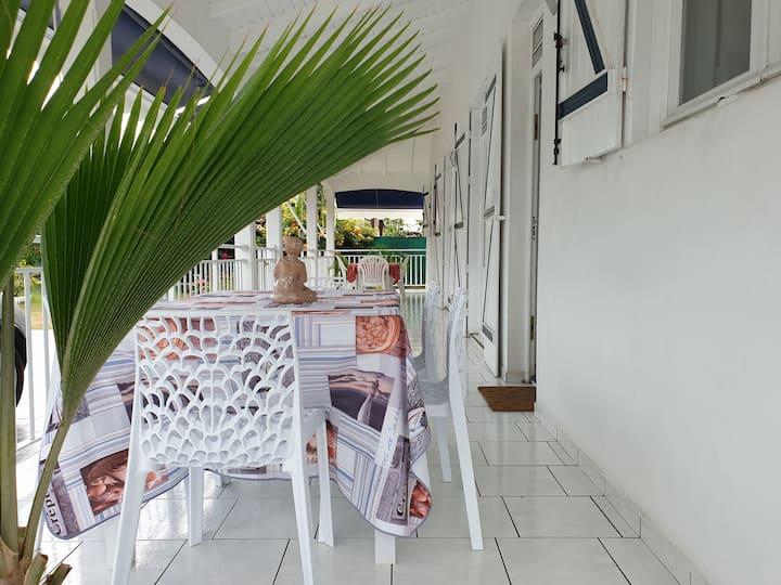 Deux chambres d'hôtes dans une villa locale