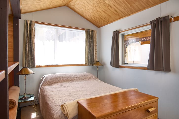 Alpinism holiday Studio-Cottage, private and cosy - Wanaka - Cabaña