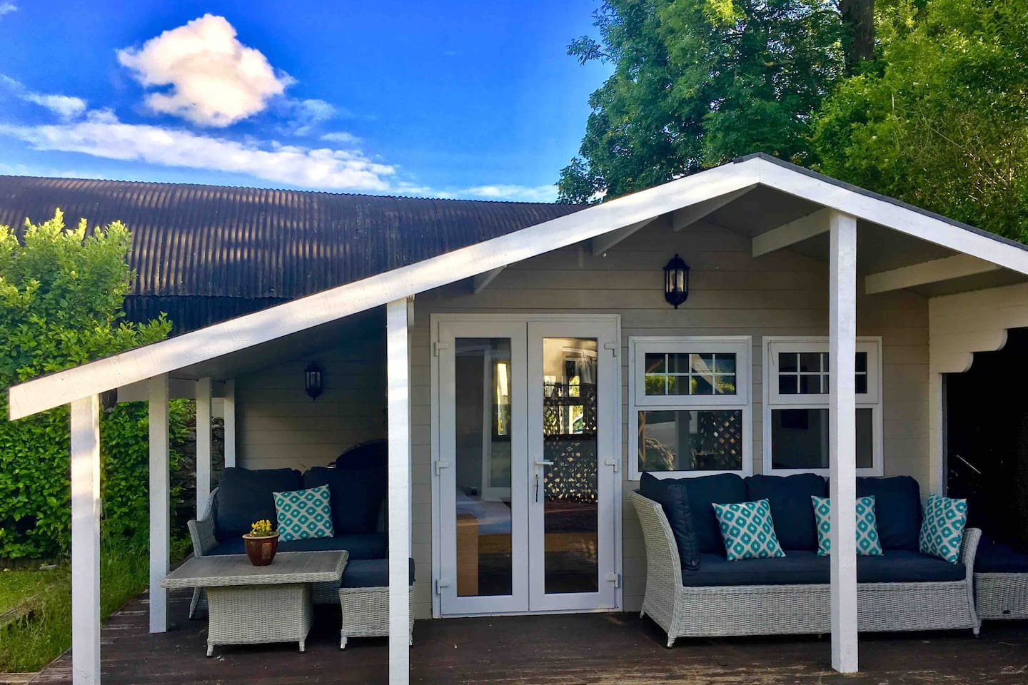 Summer house entrance & veranda with seating