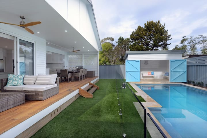 Patonga perfection - spacious beach house + pool