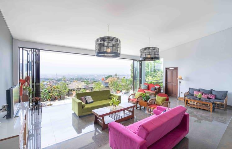 Villa Maya- Breathtaking View, Netflix, Wifi & BBQ