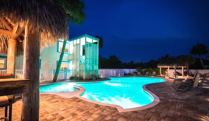 333 Canal Rd - Condo with the Best Location and the Best Pool on Siesta Key, Close to Everything
