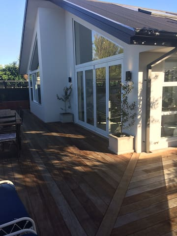 Close to Victoria ST, City and Park - Christchurch - Townhouse