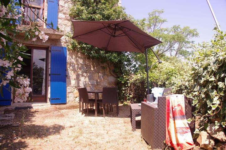 U Lilà, studio 6 km  mer, WIFI, vue Bavella, calme