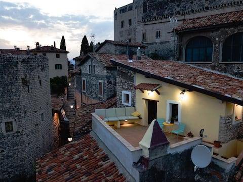 Aurora Medieval House - Granaio
