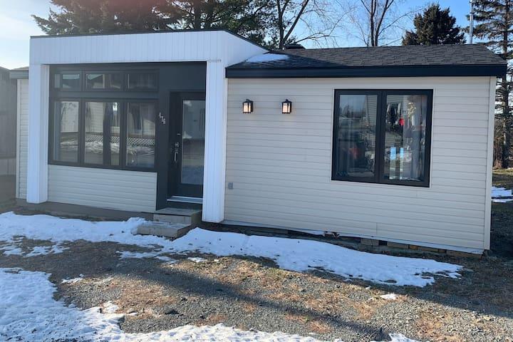 Chaleureuse maison près de la Zec Jaro et du Maine