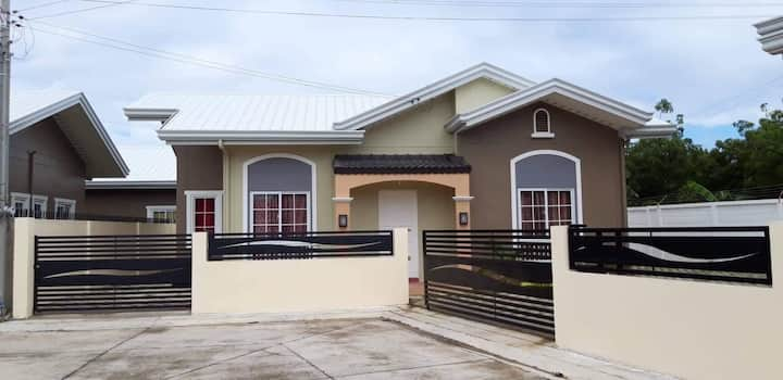 Family House close to Bluewater Hotel Mactan