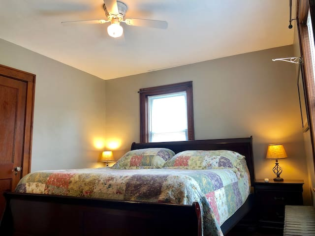 2nd Master Bedroom w/ King Bed