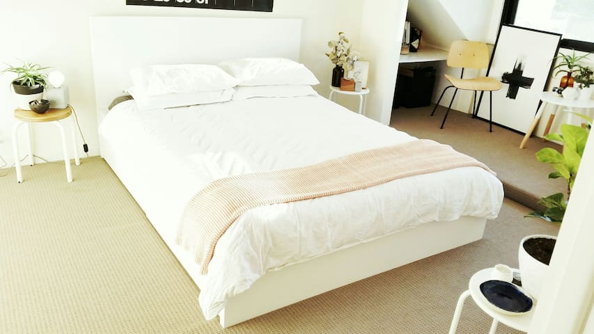 Bright, spacious room in the city - Potts Point - Rumah