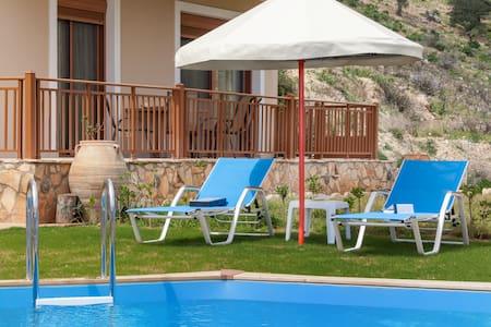 Family friendly Villa with private pool - Triopetra