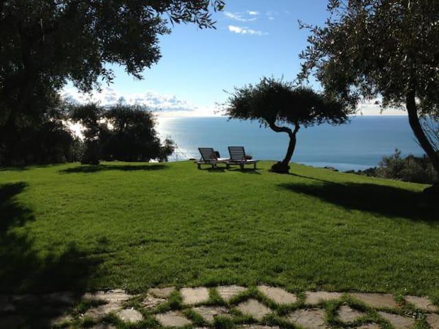 L'Eremo di Monterosso, Cinqueterre. Blue Room. - Monterosso al Mare - Bed & Breakfast