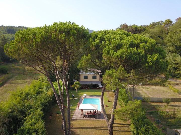 Villa con piscina vicino Lucca