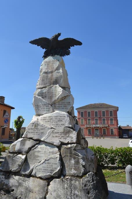 Piazza principale Mezzanino