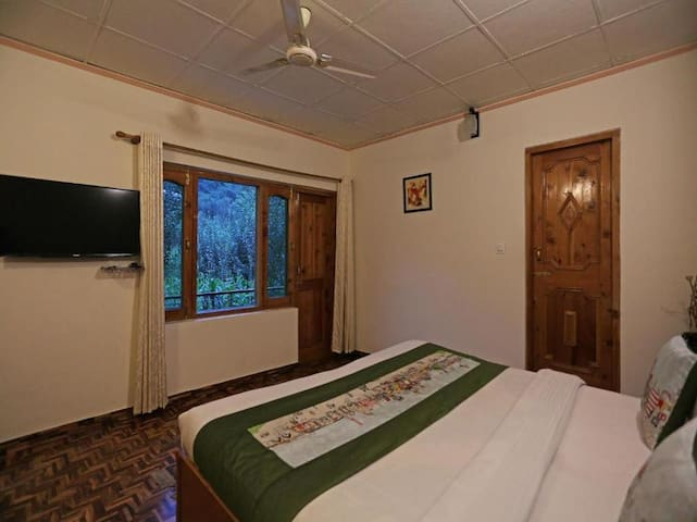 Private Sanitized Room in Homely Cottage