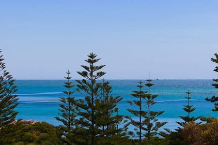 South Beach Place - Private Floor with Ocean Views - South Fremantle