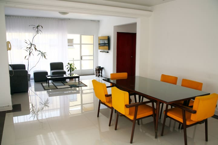 Beautiful Quiet, Spacious apartment in Condesa