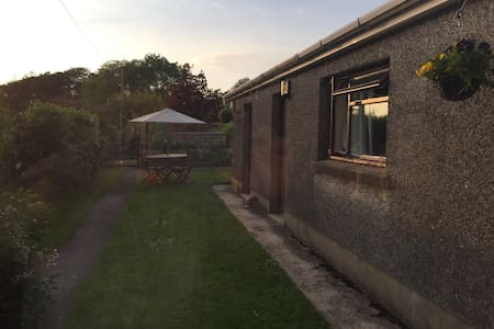 Self-contained Annexe Accommodation - Johnstown, Carmarthen - Byt
