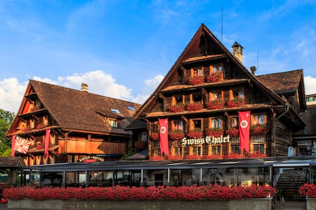 Swiss-Chalet Lodge - Merlischachen - Bed & Breakfast