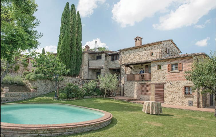 Semi-Detached with 2 bedrooms on 109m² in Anghiari