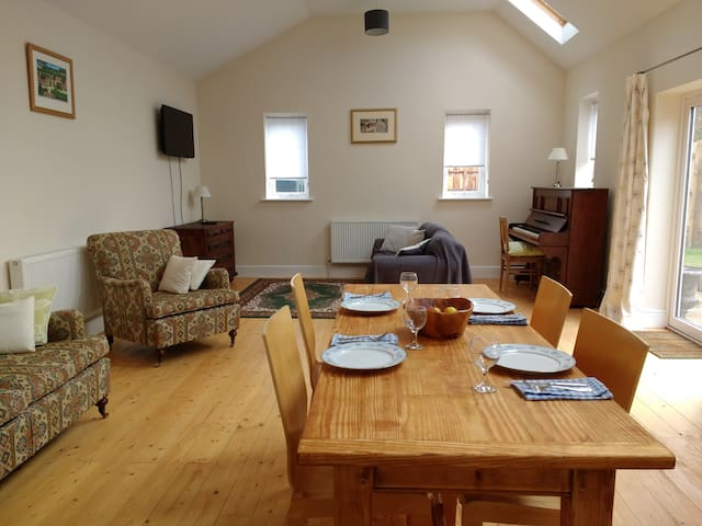 A large 2 bedroom barn property in North Norfolk. - Whissonsett - Talo