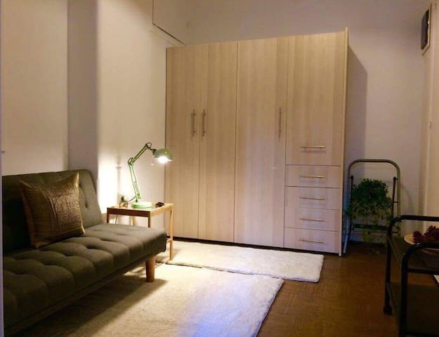 Adorable, quiet and cozy apartment, no steps