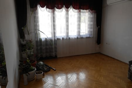 Rent Retro Apartment in the city centre of Haskovo