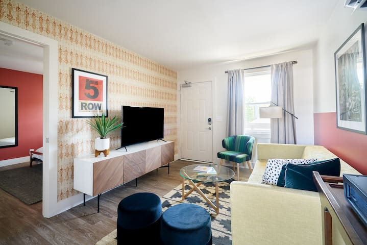 Sonder | State House | Colorful 1BR + Terrace