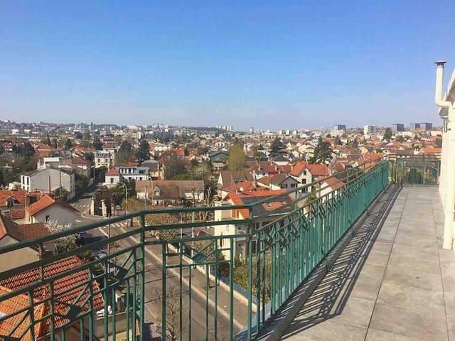 Apartment + balcony near Paris & Disney