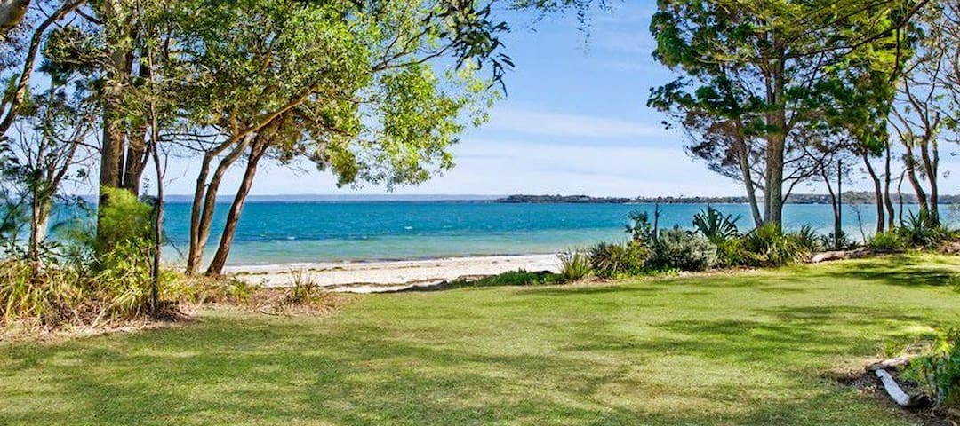 Absolute Beach Front Home - Bongaree - Dom