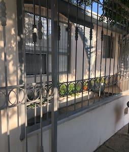 Casa equipada, a 5 minutos del Consulado Americano