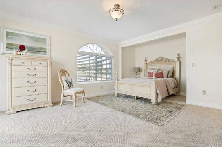 Executive Master Bedroom - Estate - Yorba Linda - Ev