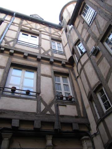 historic heart - Chalon-sur-Saône - Pis