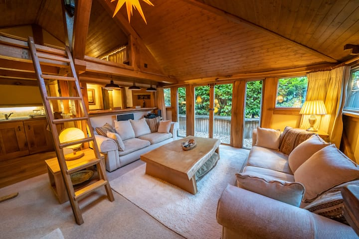 Romantic Oak Cabin Berkhamsted