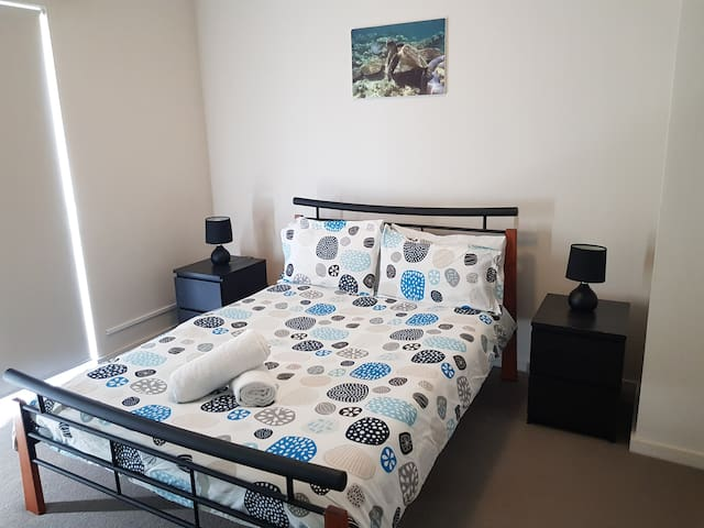 Private Double Room in Heart of Northbridge