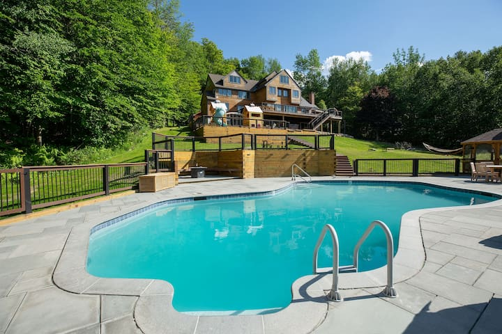 Secluded Luxury Lodge On Stratton w/ Mtn Views!