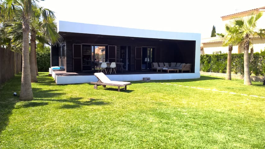 Beautiful modern house in D'Alt de Sa Rápita - Campos - Dom