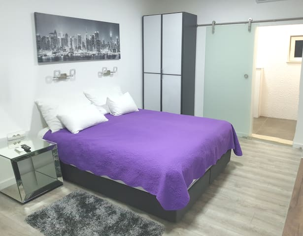 LUXSURY studio apartment close to Old town