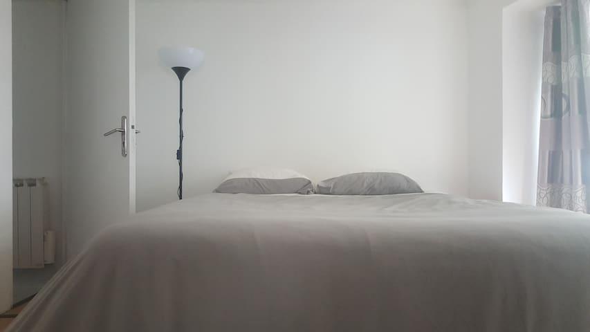 Bedroom Triple Paris..