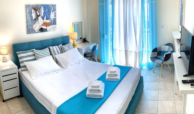 2nd Bedroom: Queen-size comfortable bed +TV +AC +hairdryer