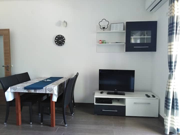 2+1 Apartment, sea view, easy holiday, hiking,