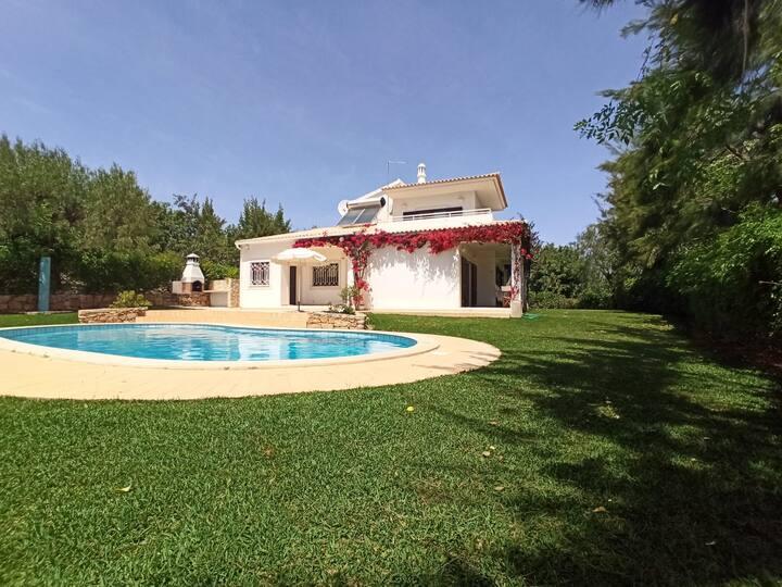 Villa Alfarrobeiras