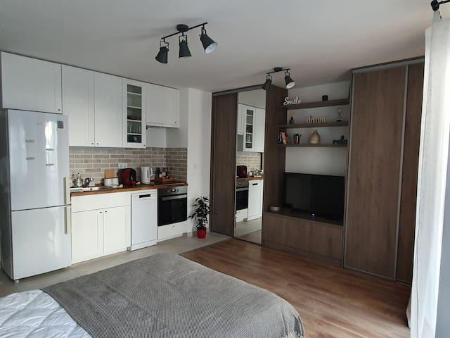 Sobi Apartman: Modern flat with free parking space