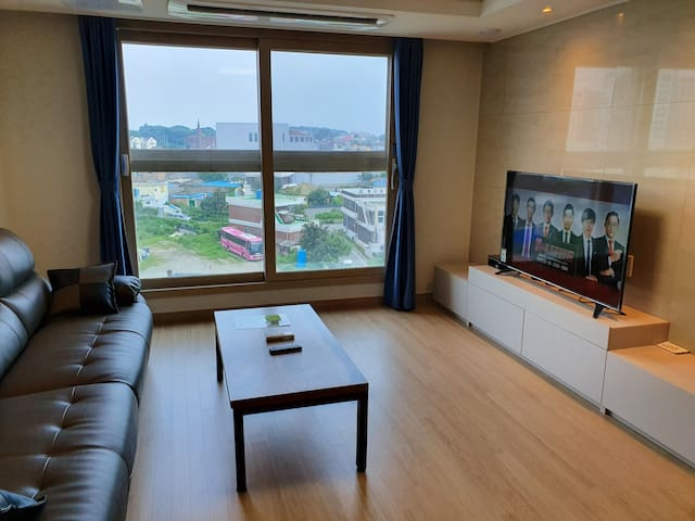 Comfortable Stay near by  Camp Humphreys (620)