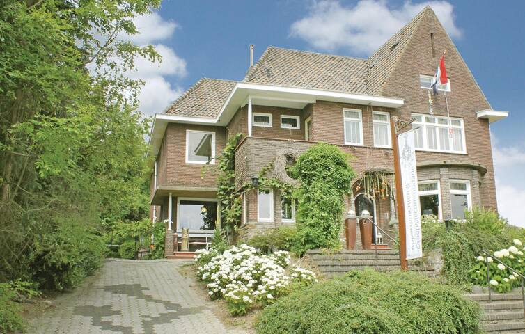 Holiday cottage with 10 bedrooms on 540m² in Epen