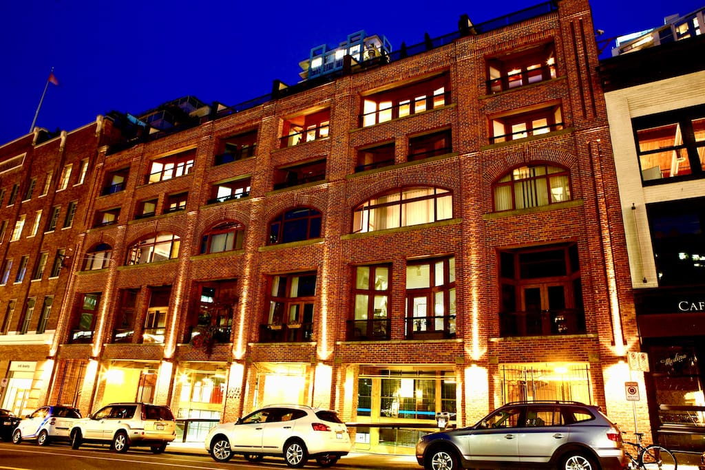 Welcome to Vancouver's first warehouse loft conversion, in the middle of Downtown within a 10 min walk to Gastown, Yaletown, and the sewall. The loft is located on the top 2 floors of the building.