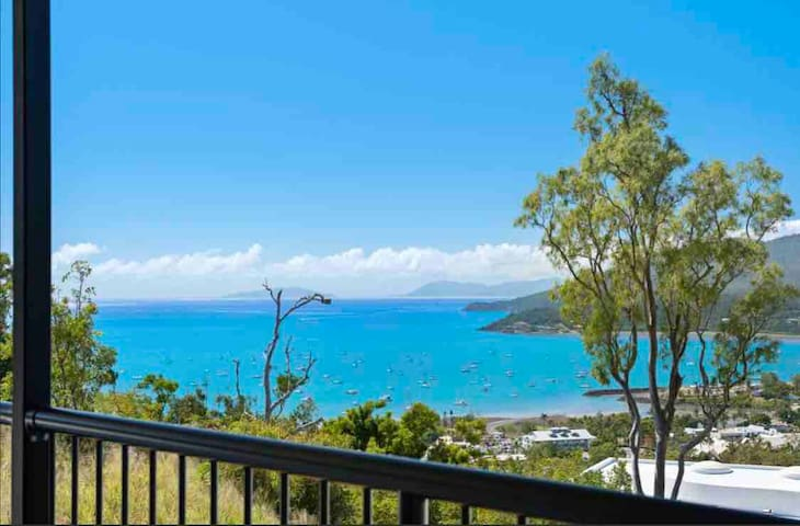 Sea Views Luxurious Family Home ~ Top of the Hill