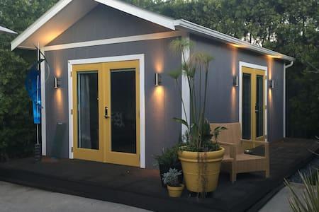 Adorable Private Guest House/Bachelor - Los Angeles - Pensió