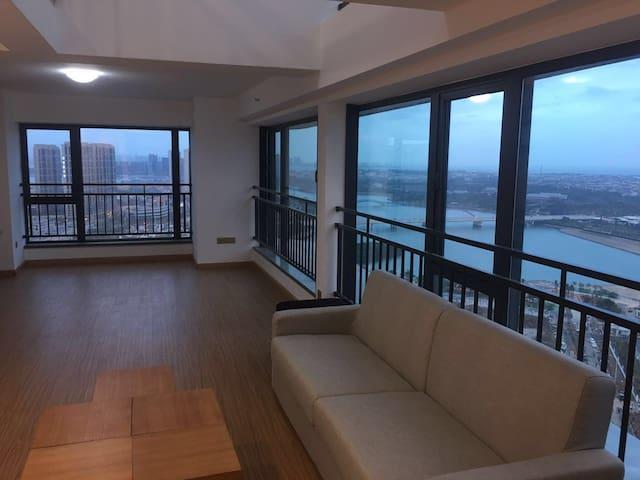 市中心唯一双面海景豪宅·交通便捷·大型高端综合体上盖·国际五星凯悦酒店隔壁(ROOM1大床双面海景房 - Xiamen - Appartement