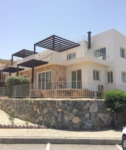 Modern Sea View End Apartment WIFI Family Friendly - Tatlısu - Appartement
