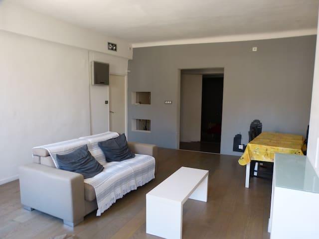 Appartement centre-ville Aix 2mn cours Mirabeau